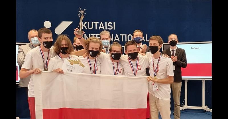 Grupa Polskich uczestników XXXIV Międzynarodowego Turnieju Młodych Fizyków 2021